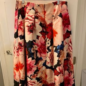Floor length skirt w/ floral pattern